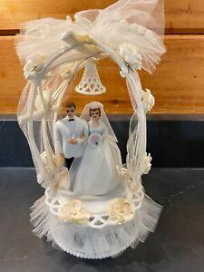 Vintage 1950s Wedding Cake Bride & Groom Topper Blue Eyes Arch Flowers Bell