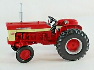 Ertl 1/16 Scale IH International Harvester 460 Diesel Utility Tractor