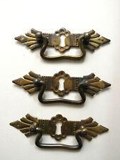 3 antike Möbelgriffe - Schubladengriff - Beschlag mit Schlüsselloch