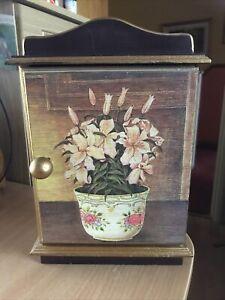 wooden hand painted key cabinet for 6 keys 30cm x 21cm x 7cm floral plant door