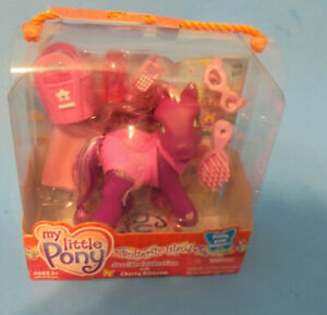 My Little Pony g3 Cherry Blossom & accessories  Seaside Celebration  &  fashions