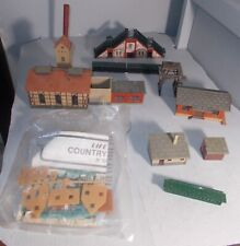 N SCALE TRAIN BUILDING LOT SOME MISSING PARTS  LIFE LIKE COUNTRY COTTAGE KIT