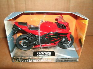 1/18 Scale Honda CBR600RR Plastic Motorcycle Model Motor Bike - Red Street Racer