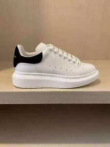 Alexander McQueen Men's Comfortable Little White Shoes (Black cultured skin tai)