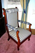 Armlehnstuhl  Polstersessel Lesesessel armchair walnut Stuhl Sessel Tisch Hocker