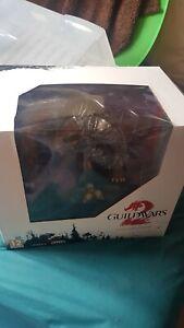 Guild Wars 2 Collectors Edition  w/Tin & Art Prints, Soundtrack