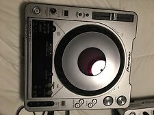 Pioneer CDJ-800 MK2 DJ Professional CD Turntables, Set of 2  USED
