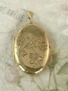 9ct Yellow Gold Forget Me Not Patterned Large Locket A8082
