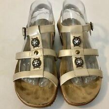 Easy Spirit Leather Gold Tone Neutral  Slingback Buckle Sandals Womens 8