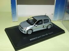 Renault Clio V6 Phase Ii Gris Universal Hobbies 1:43