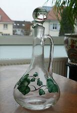 Ältere Glas Karaffe mit Glasstöpsel - Formschönes Design mit handgemaltem Efeu !