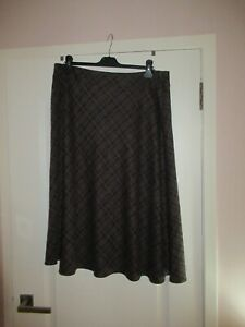 """Marks and Spencers Ladies Chocolate Print Skirt Size18 (waist 36"""")"""