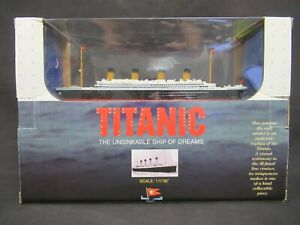 Titanic: The Unsinkable Ship of Dreams - Claytown 1:1136 scale model - NEW