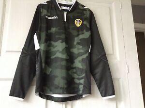 Leeds United Macron boys goalkeeper shirt size LJ (new)