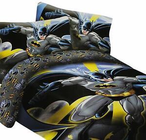 DC Comics Batman In the City Classic 2 Piece Reversible Twin Size Comforter Set
