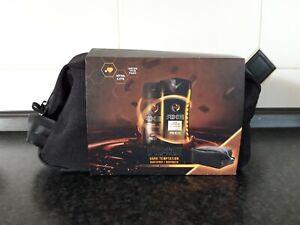 Axe Geschenkset Dark Temptation, mit cooler Kulturtasche (Deospray 150 ml + Dusc