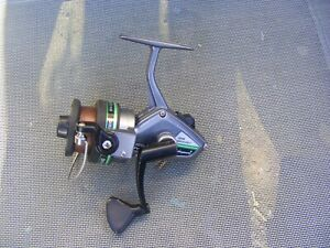 SHAKESPEARE FIXED SPOOL 2010-040 PRO TOUCH COARSE/SPINNING REEL VGC