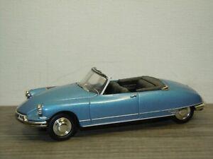 Citroen DS19 Cabriolet - Universal Hobbies 1:43 *51388