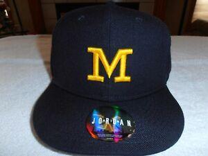 "Brand New w/tags Classic Michigan Wool  ""Fitted"" Baseball Hats - Nike / Jordan"