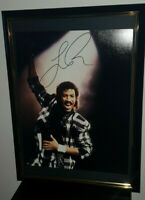 LIONEL RICHIE - HAND SIGNED LARGE PHOTO - WITH COA FRAMED ORIGINAL AUTOGRAPH