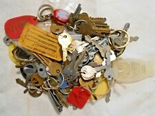 OLD VINTAGE KEY LOT