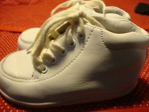 Stride Rite Baby White Leather Support Walking Shoes Bootie 6.5 2W       251
