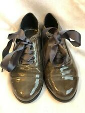 Women's Size 5 1/2 Very Volatile Oxford shoes