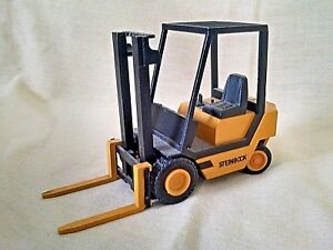 STEINBOCK BOSS FORKLIFT NZG MODELLE NO 296 1:25 SCALE PALLET TRUCK USED AS IS*
