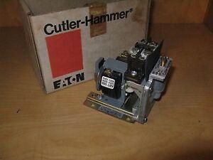 CUTLER-HAMMER D80ND1D PNEUMATIC TIMER