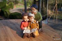 wunderschöne Achatit Figur 3 singende Kinder exklusive Künstlerarbeit