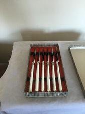Lovely Boxed Set di 6 Argento Placcato gestiti e inox coltelli da dessert
