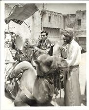 "* ALI BABA GOES TO TOWN (1937) ""Movie Actor"" Eddie Cantor Sees His First Camel!"