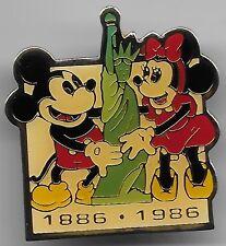 RARE DISNEY 1886 - 1986 MICKEY & MINNIE at STATUE of LIBERTY NEW YORK PIN HTF