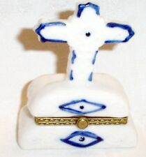 "Trinket Hinged Box White Ceramic With Blue Trim  In Shape of Cross New 3.5"" tall"