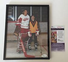 Steve Yzerman Signed & Framed Detroit Red Wings Goalie 8x10 Photo JSA COA