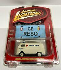 Johnny Lightning Working Class 1962 Volkswagen Type 2 Ambulance