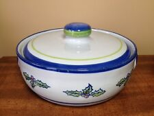 LOUISVILLE STONEWARE, HOLIDAY 2 Qt. COVERED CASSEROLE DISH, HOLLY PATTERN