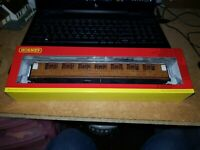 "OO Gauge Hornby R4827 LNER 61' 6"" Gresley Corridor 1st class Coach 31885 boxed"