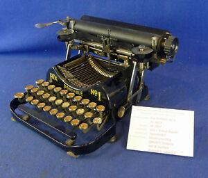 Fox Portable 1mit @-Zeichen - Schreibmaschine - typewriter - Samml. Eisel - 3000