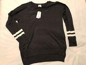 Hippie Rose NWT XL V-neck Varsity Pullover Gray Sweater $44 M033