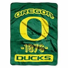 NWT Oregon Ducks NCAA Licensed Green/Yellow logo Super Plush Throw Blanket 46x60
