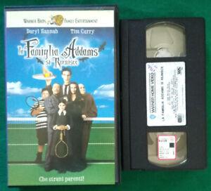 VHS Film Ita Commedia LA FAMIGLIA ADDAMS SI RIUNISCE Daryl Hannah no dvd (V120)