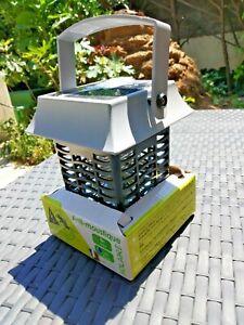 Lampe solaire anti moustiques spécial camping