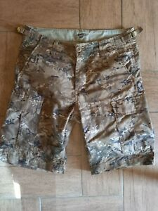 CARHARTT WIP AVIATION SHORT CAMOUFLAGE SIZE 28 AS NEW