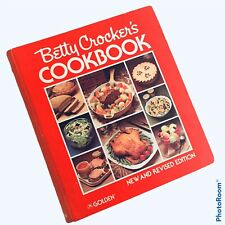 Vtg 1978 Betty Crockers Cookbook New Revised Edition Red HC Ring Bound