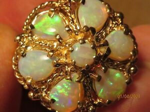 Vintage 14K Yellow Gold natural Australian Opal ring