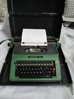 Silver Reed 500 Typewriter Collectable Vintage Green with Hard Carry Case nice