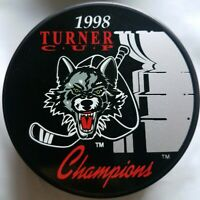 1998 CHICAGO WOLVES CHAMPS HOCKEY IHL BY PUCK WORLD MADE IN SLOVAKIA HOCKEY PUCK