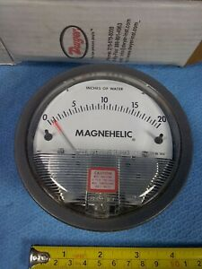 "New Dwyer 2020 Magnehelic Differential Pressure Gauge 0-20"" Water skbawa-b124-mb"