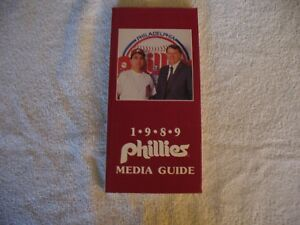 MLB - Philadelphia Phillies 1989 Media Guide - VINTAGE - NICE